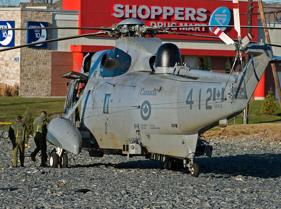 A Sea King helicopter sits in a vacant parking lot in the Halifax neighbourhood of Bedford on Thursday, November 22, 2012. (Andrew Vaughan / THE CANADIAN PRESS)