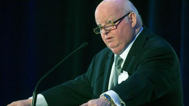 Senator Mike Duffy speaks during dinner in Halifax
