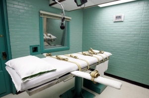 The gurney in the death chamber is shown in Huntsville, Texas on May 27, 2008. (AP / Pat Sullivan)