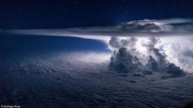 Photo of a CB cloud that has reached the tropopause!