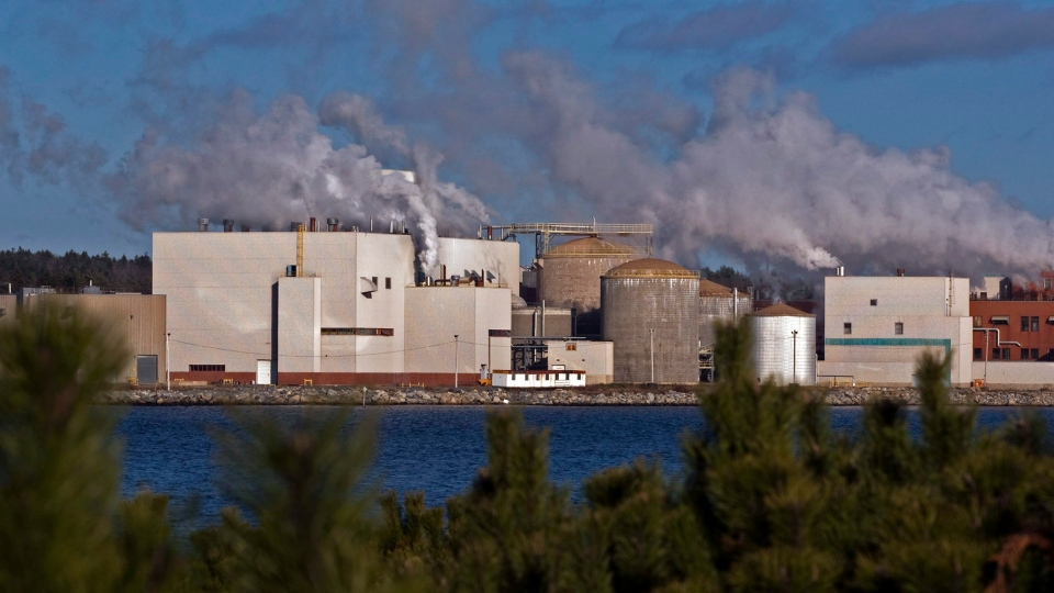 The Bowater Mersey paper mill is seen in Brooklyn, N.S. on Friday, Dec. 2, 2011. (THE CANADIAN PRESS/Andrew Vaughan)