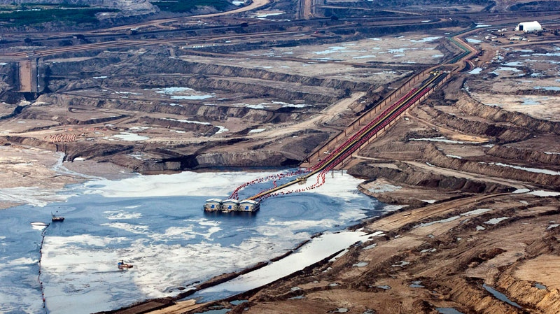 fuel or fire alberta tar sands Commentary and archival information about tar sands from the new york times news about oil sands in fort mcmurray, alberta, where a fire continued monday, contrasts abound may 9, 2016 fort mcmurray, a canadian oil boom town.